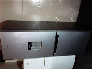 Sumsung fridge new half price for sale mahala price amount 4500