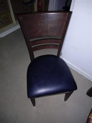 6x Dinner Room Chairs for sale @ R700 - or nearest cash offer