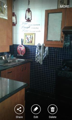Flat share with fully furnished room for 1x professional woman