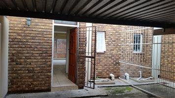 0031M 3 bedr duplex flat in Wonderboom South
