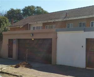 Florida 2bedroomed duplex unit R4800