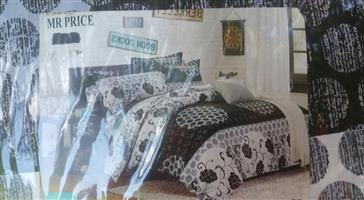 MR Price black and white bed set for sale