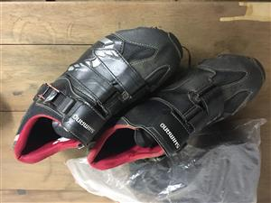 Ladies size 40 mountain bike shoes Shimano and Specialised