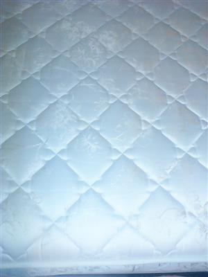 2 x Three quarter mattress and base.