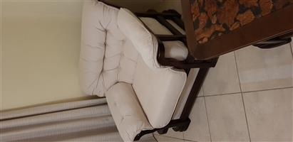 A beautiful lounge suite in excellent condition 2 x 2 seater, 2 x single seater, 1 x side coffee table, 1 x main coffee table.