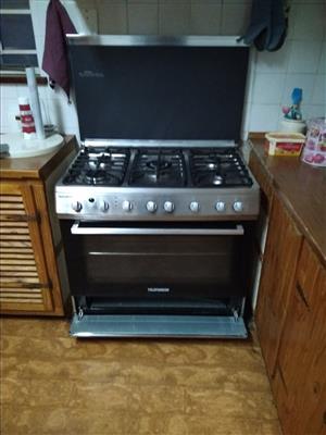 5 burner Telefunken gas electric stove