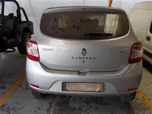 RENAULT SANDERO 900T STRIPPING FOR SPARE PARTS