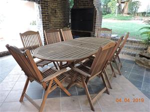 Extendable patio table with 8 chairs. (Cushions optional extra)