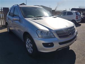 Mercedes ML 350 2006 W164 stripping for spares.