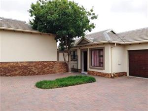 Well located, well built, well maintained unit in Valley View Estate