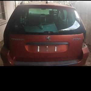 05 Peugeot 307 SW _ Tailgate _ R1500