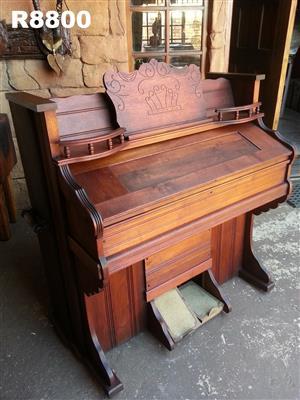 Antique York Penn;a Organ - Weave Organ and Piano Co. (1110x595x1160)