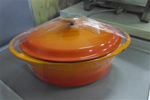 29cm Cast Iron Pot with Lid