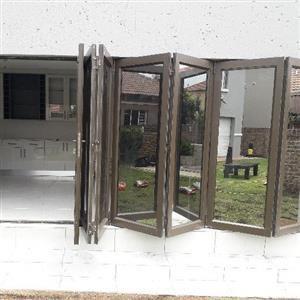 Aluminium stack fold doors