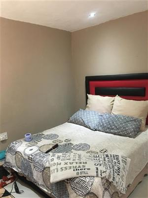 Studio/Bachelor Pad (Room) to Rent in Protea North Ext 1 (Policeview) R2500.00