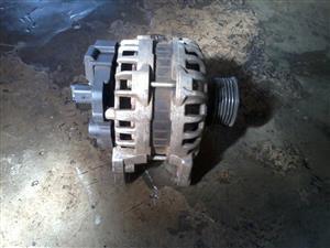 Renault sandero alternator for sale R1000
