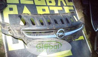 2016 Opel Astra Main Grill