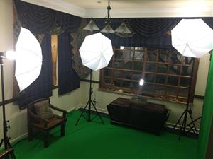 Green Screen Back Drop Plus 3 Piece Lighting Set
