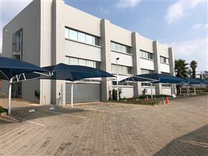 ROAN CRESCENT: LARGE WAREHOUSE / FACTORY / DISTRIBUTION CENTRE TO LET IN CORPORATE PARK NORTH, MIDRAND, WITH N1 HIGHWAY VISIBILITY!
