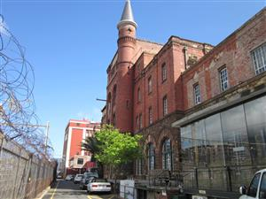 Castle Brewery Building lower ground floor studio near coffee shop ~ 89m²