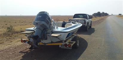 Speed Boat with trailer for sale