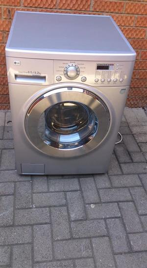 L.G WASHER DRYER COMBO 8,5 KGS
