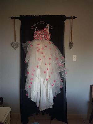 MODELLING DRESSES