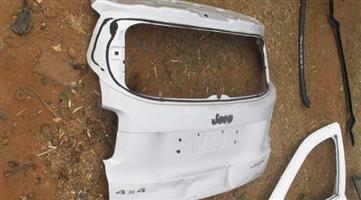 2015 Jeep Renegade Tailgate