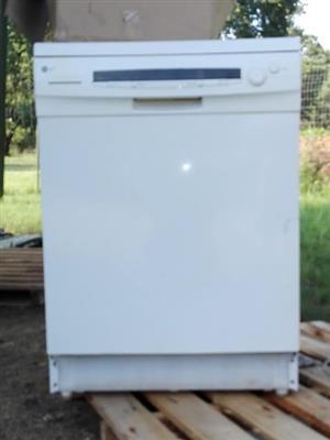 LG Dishwasher 4 Sale