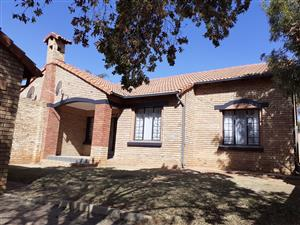 Stunning 3 bedroom Townhouse in Equestria