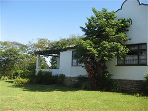 CHARACTER 4 BEDROOM DUTCH GABLE HOUSE PLUS COMPLETELY SEPARATE 1 BEDROOM COTTAGE - R900000 UMTENTWENI