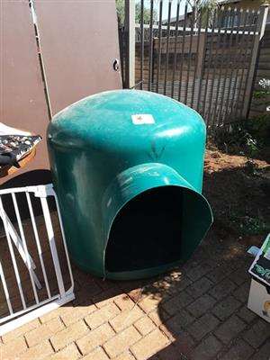 XL Igloo kennel