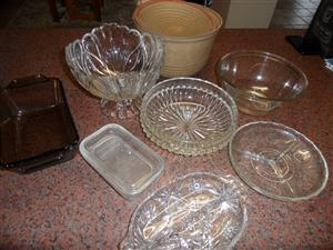 GLASS AND CERAMIC POTS AND BOWLS FOR KITCHEN X 8
