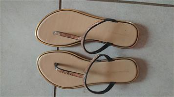 Sandals/pumps