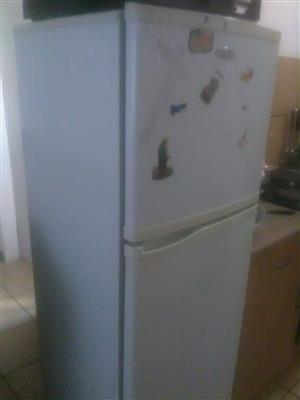 Selling fridge