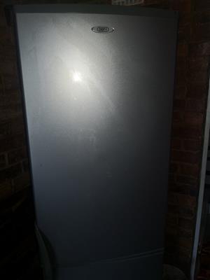 Defy C380 fridge 348l