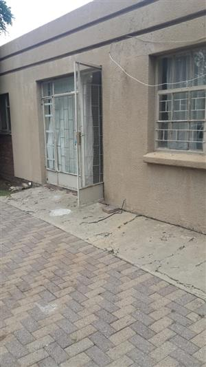 1 Bedroom with Open Plan to let in Secunda Area. Prepaid Electricity