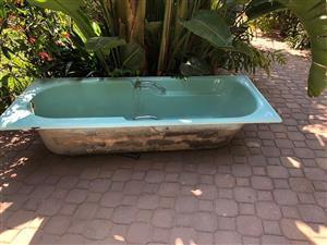 Old bath tub