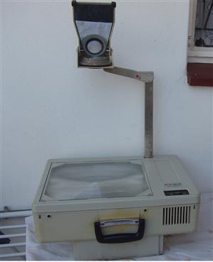 Overhead Projector - Elmo HP 285 - fold away model