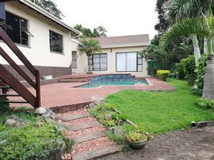 Scottburgh - Fantastic 3 Bed House + Super 2 bed Flat + 2 Garages + Pool