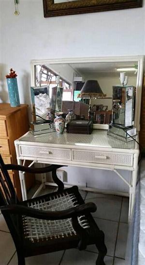Dressing table+ framed mirror