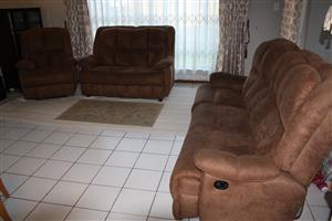 3 piece recliner lounge suite for sale