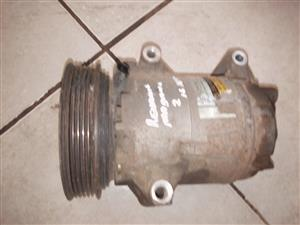RENAULT MEGANE 2 SHAKE IT 1.6 16V AIRCON COMPRESSOR FOR SALE!!