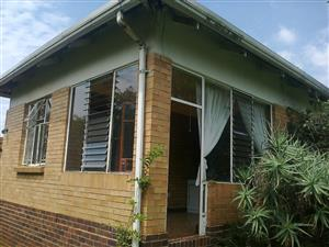 1 Bed, 1 Bath Flatlet to let in Roosevelt Park! 1 August!