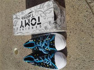Girls TOMY takkies.Brand new with box.Kiddy size 12