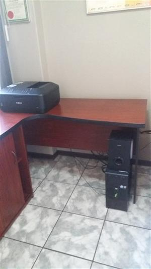 Desk as new