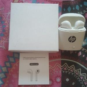 BRAND NEW SEALED INBOX HP AIRPODS WIRELESS EARPHONES IN PERFECT WORKING CONDITION