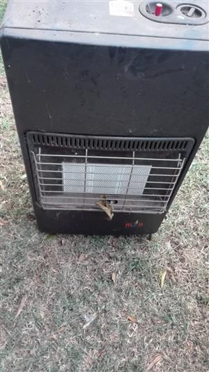 Gas heater without regulator or bottle, two available