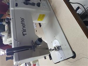 Ninette zigzag industrial machine. 20u43