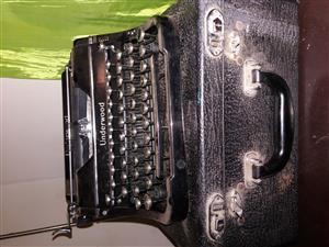 Old little Typing machine
